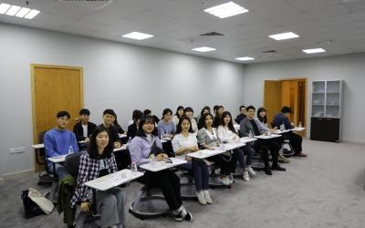 المجمع يستقبل وفدًا كوريًا جنوبيًا من جامعة هانكوك للدراسات الأجنبية