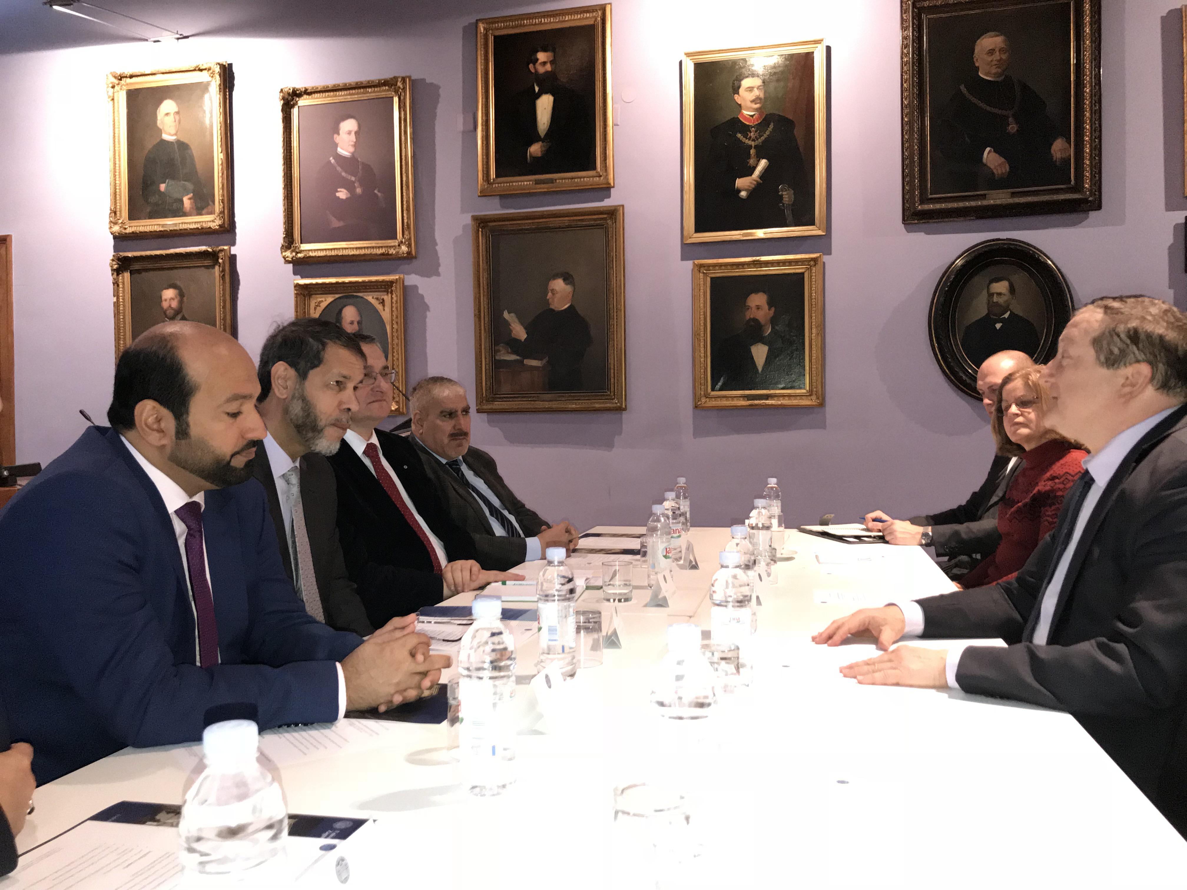 مجمع اللغة العربية بالشارقة يوقع اتفاقية لإنشاء مركز أكاديمي في جامعة زغرب