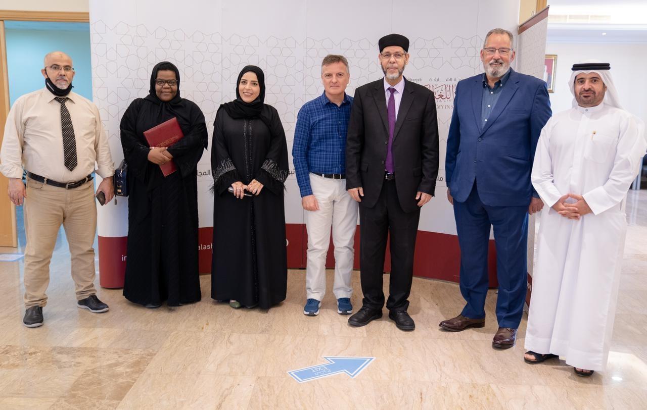 مجمع اللغة العربية يفتح أبوابه أمام طلبة وكوادر أكاديمية الشارقة للفنون الأدائية